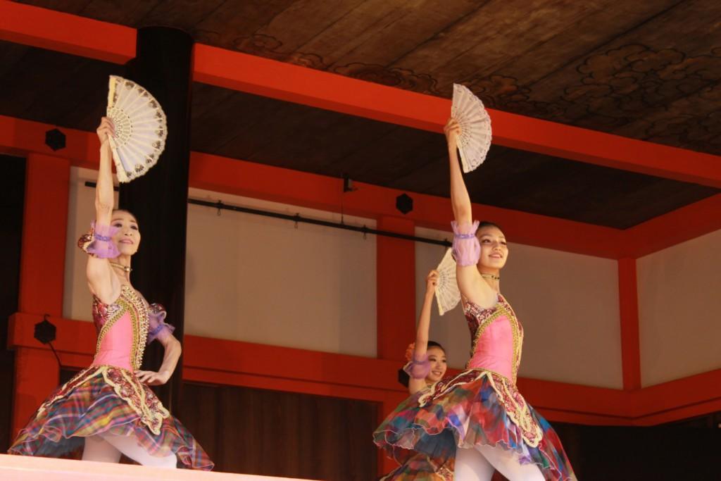 ▲バレエを踊るバレリーナ。Dancers performing ballet